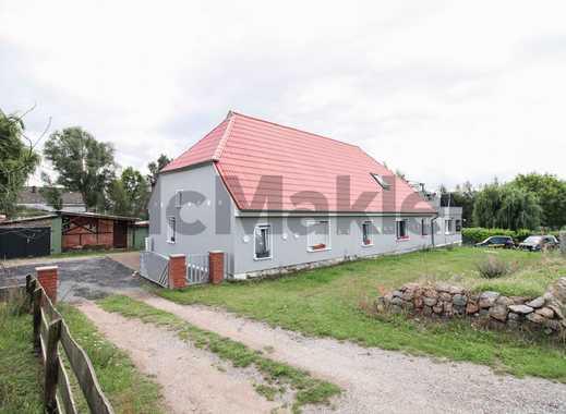 Rügen: Modernisiertes EFH mit vermieteter ELW, weitläufigem Grundstück und Nebengebäude