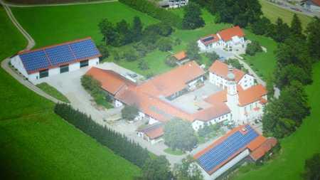 Neuwertig, nah an der Stadt, idyllisch gelegen in Bockhorn (Erding)