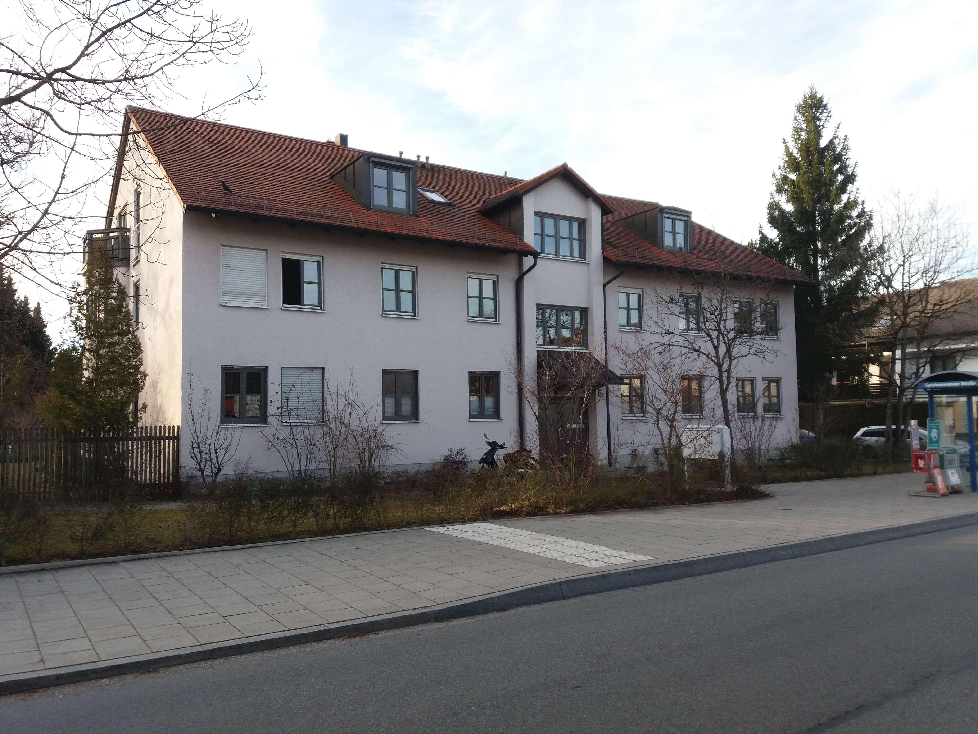 Stilvolle, gepflegte 2-Zimmer-EG-Wohnung Terrasse in Forstenried, München in Forstenried (München)