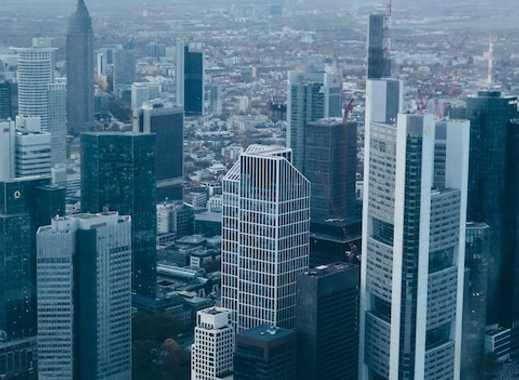 Sehr edles Penthouse am Stadtrand von Frankfurt mit Blick auf die Skyline