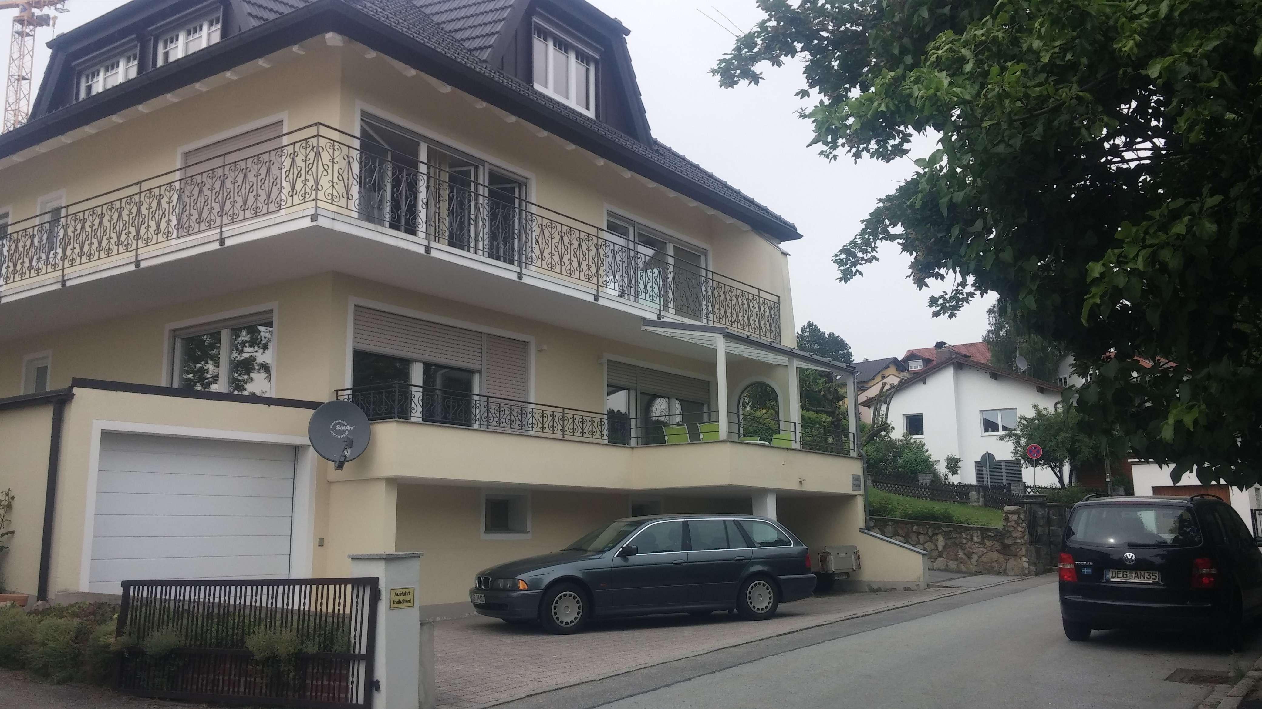 Sonnige, zentrumsnahe 4-Zimmer Wohnung mit Blick über Deggendorf in