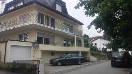Sonnige, zentrumsnahe 4-Zimmer Wohnung mit Blick über Deggendorf in Deggendorf