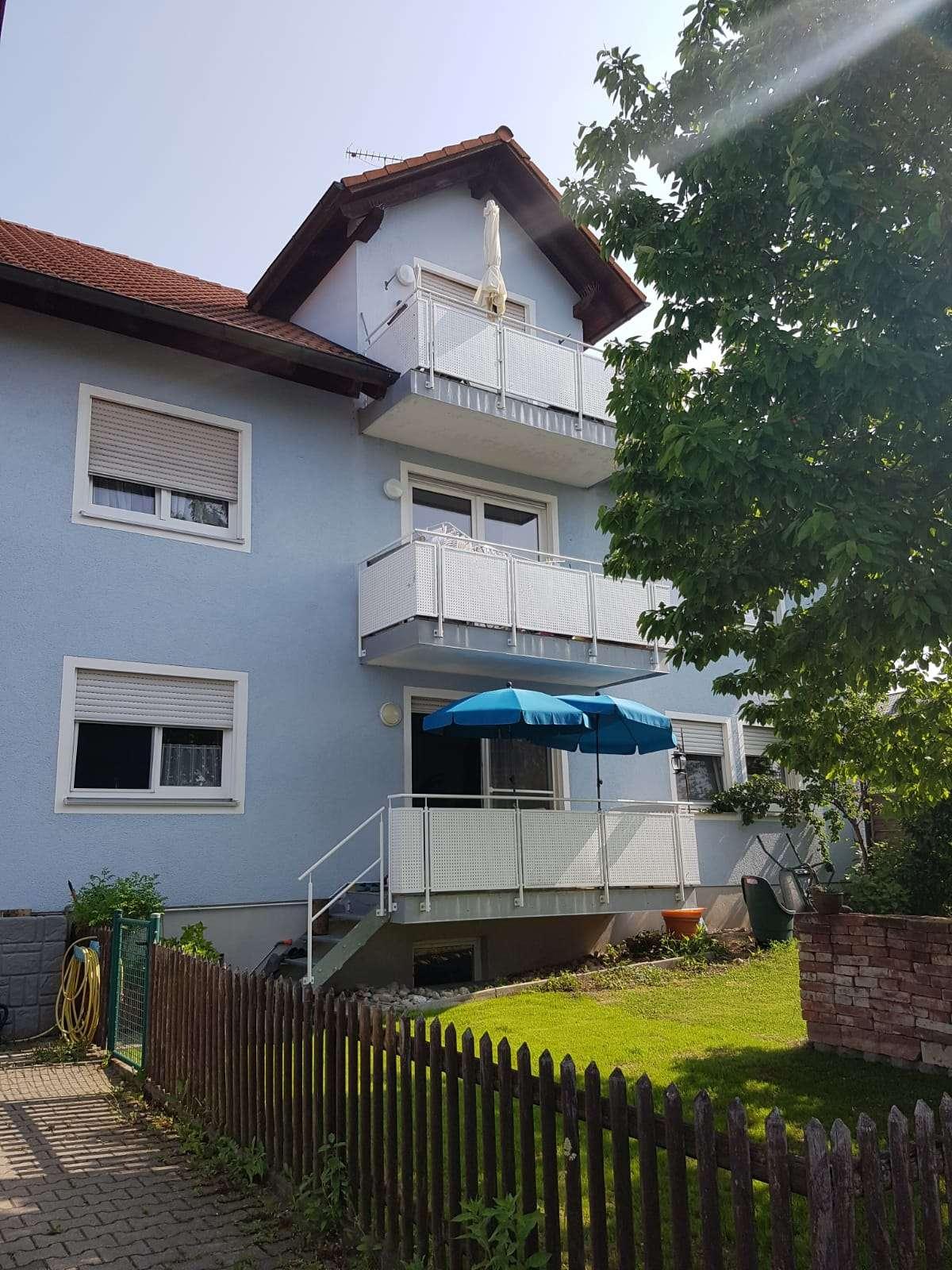 Gepflegte 4-Zimmer-Wohnung mit Balkon in Oberhaindlfing