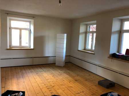 Sanierte 3-Raum-Erdgeschosswohnung mit Balkon und Einbauküche in Oberstaufen in Oberstaufen