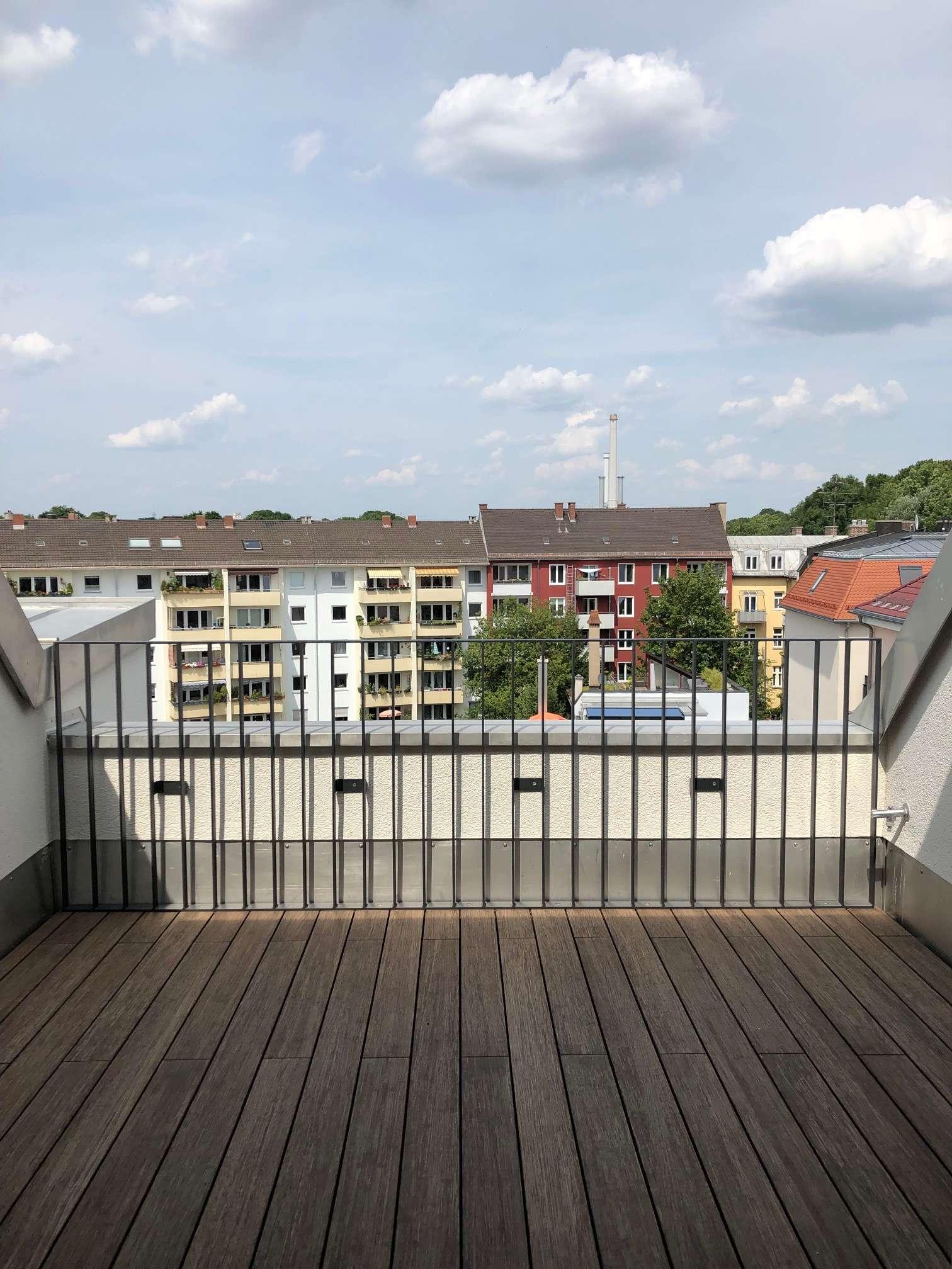 Exklusives Dachgeschoss an der Isar mit Dachterrasse, Küche, Lift, uvm.