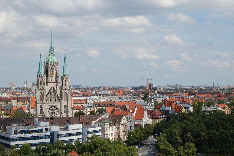 Möbliertes, Schönes Appartement mit gigantischem BLICK und großem Balkon in Schwanthalerhöhe (München)