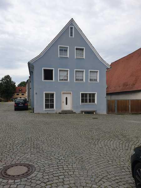 Erstbezug nach Sanierung: kleine 1-Zimmer-Wohnung in Berching in Berching