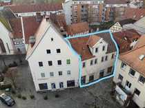 Kernsaniertes Wohn- und Geschäftshaus Laden