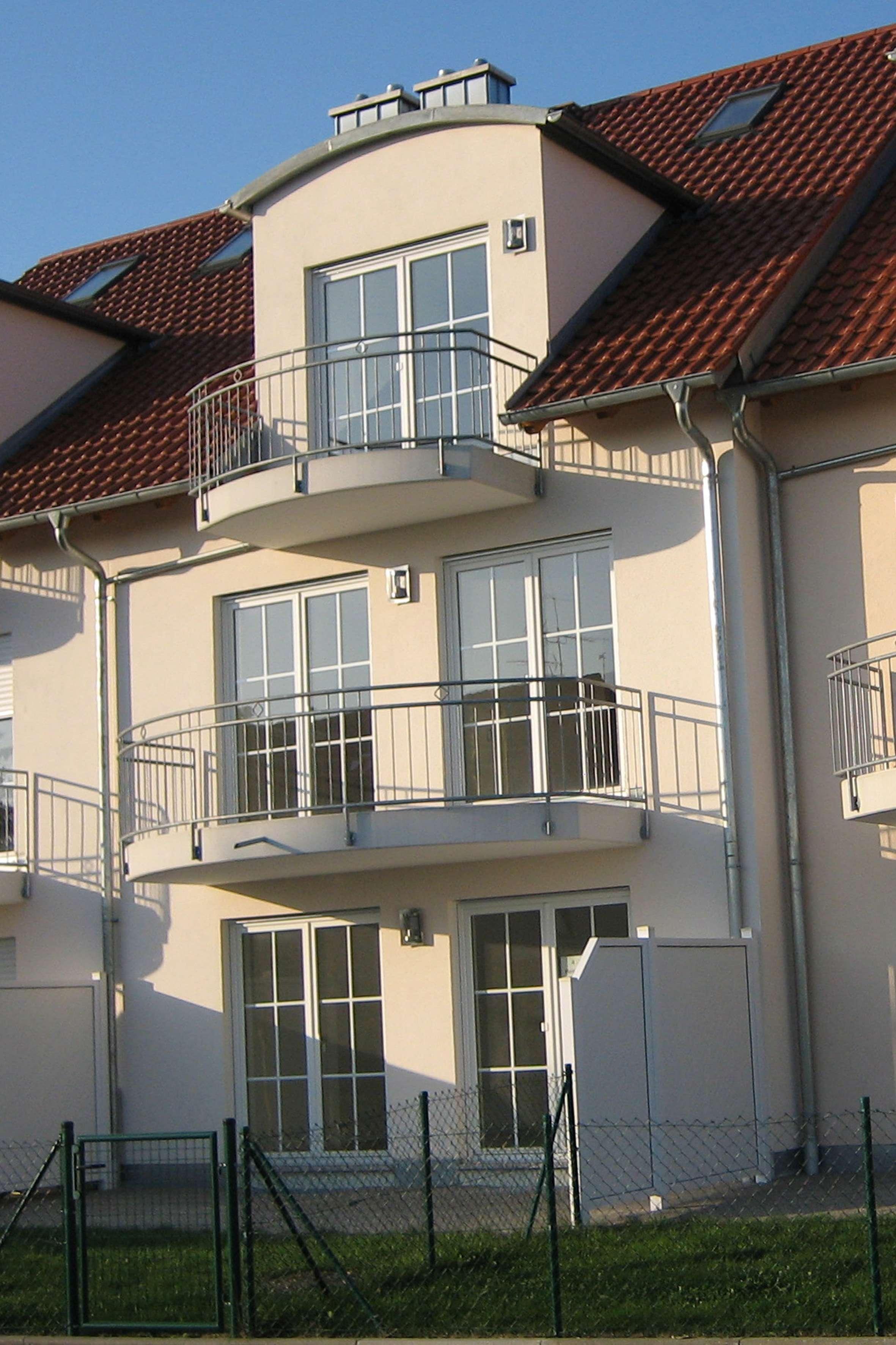 Sonnige, exclusive Zwei- Zimmer Dachmaisonette-Wohnung,  28 Min nach München **Neuer Bau** in