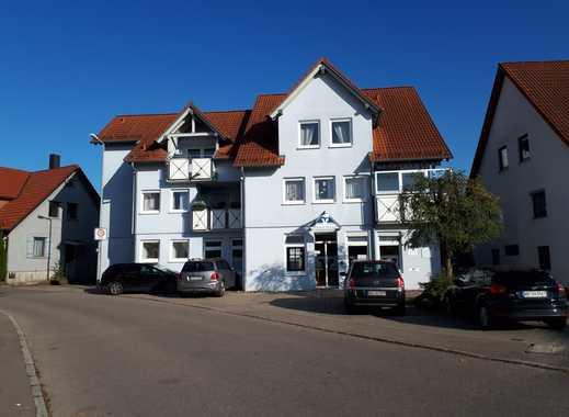 Modernisierte 3,5-Zimmer-DG-Wohnung mit Balkon und nagelneuer Einbauküche in Alfdorf-Pfahlbronn