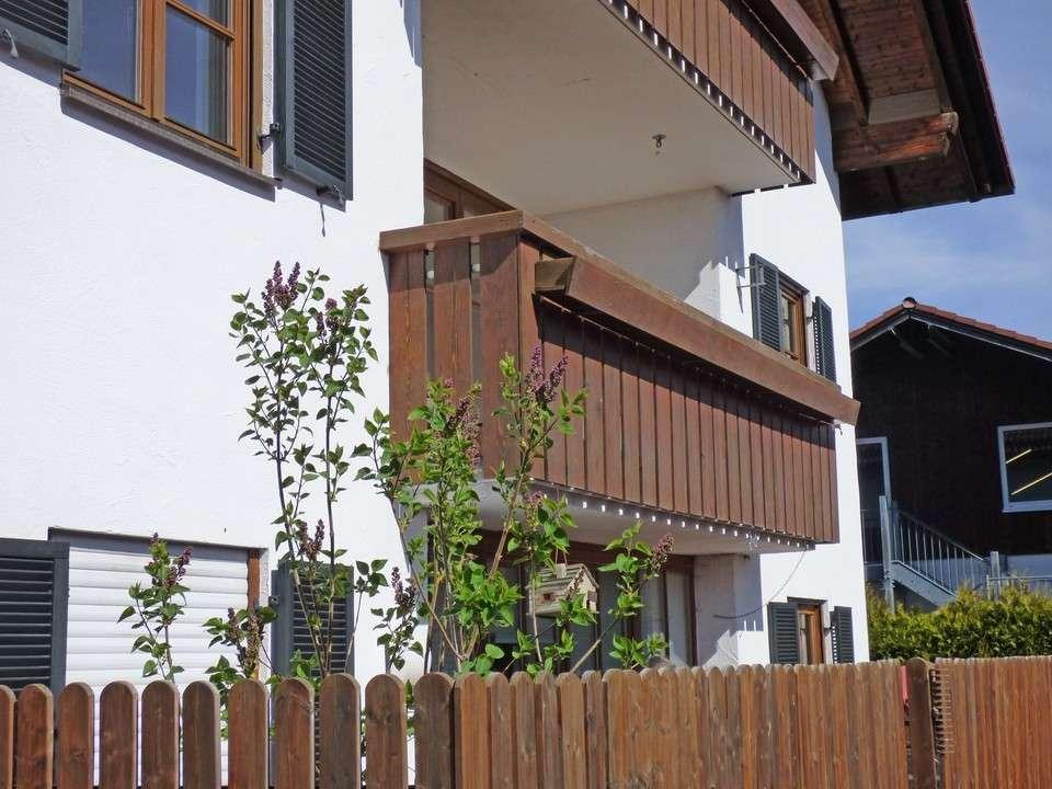 Schön geschnittene, neu modernisierte 3-Zimmer Wohnung in ruhiger Ortsrandlage von Starnberg-Söcking in