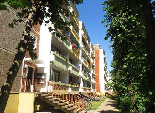 schicke 3 Raum-Wohnung mit Balkon in Bitterfelder Innenstad