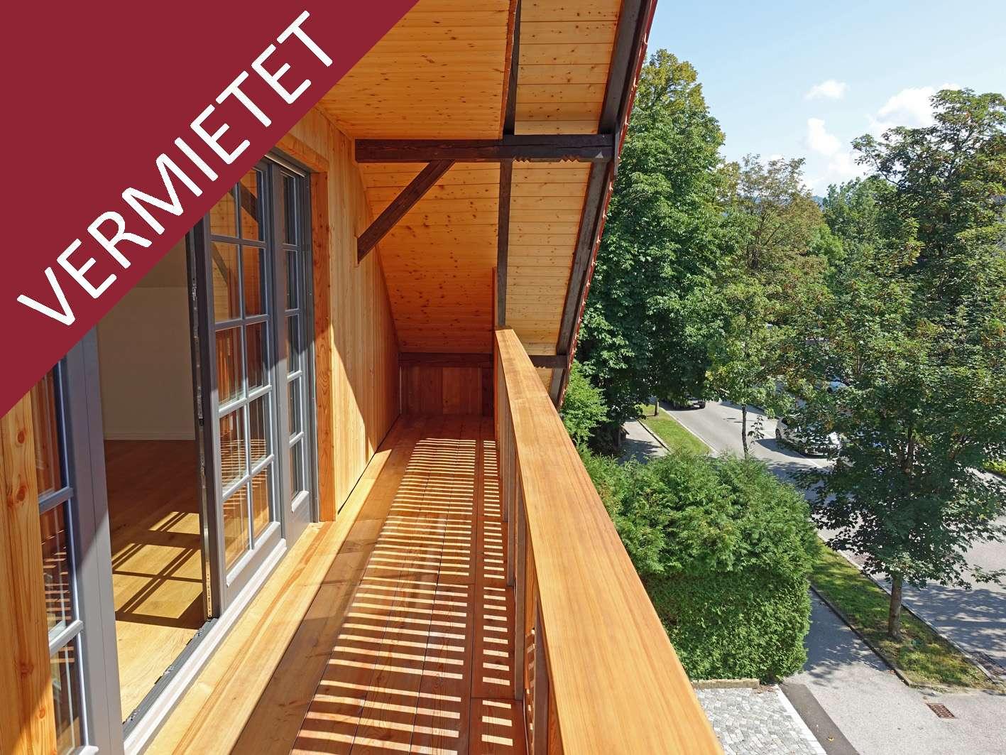 Tolle Neubau-Dachgeschosswohnung mit zwei Balkonen im Badeteil in Bad Tölz