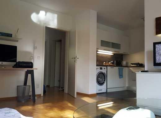 Renovierte großflächige 2-Zimmer Wohnung (möbliert)