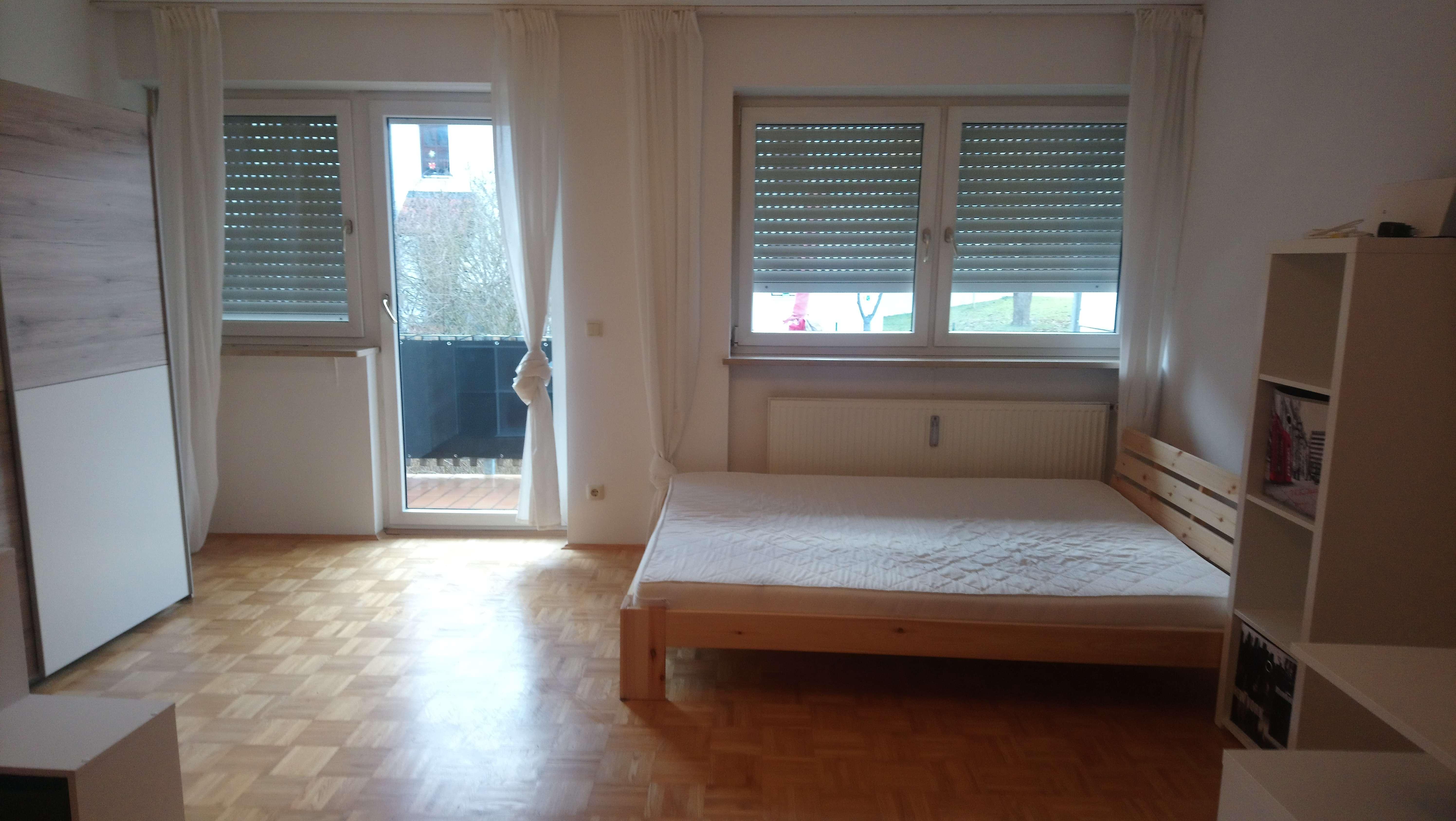 Exklusive 1-Zimmer-Wohnung mit Balkon und EBK in Regensburg in Kumpfmühl-Ziegetsdorf-Neuprüll (Regensburg)