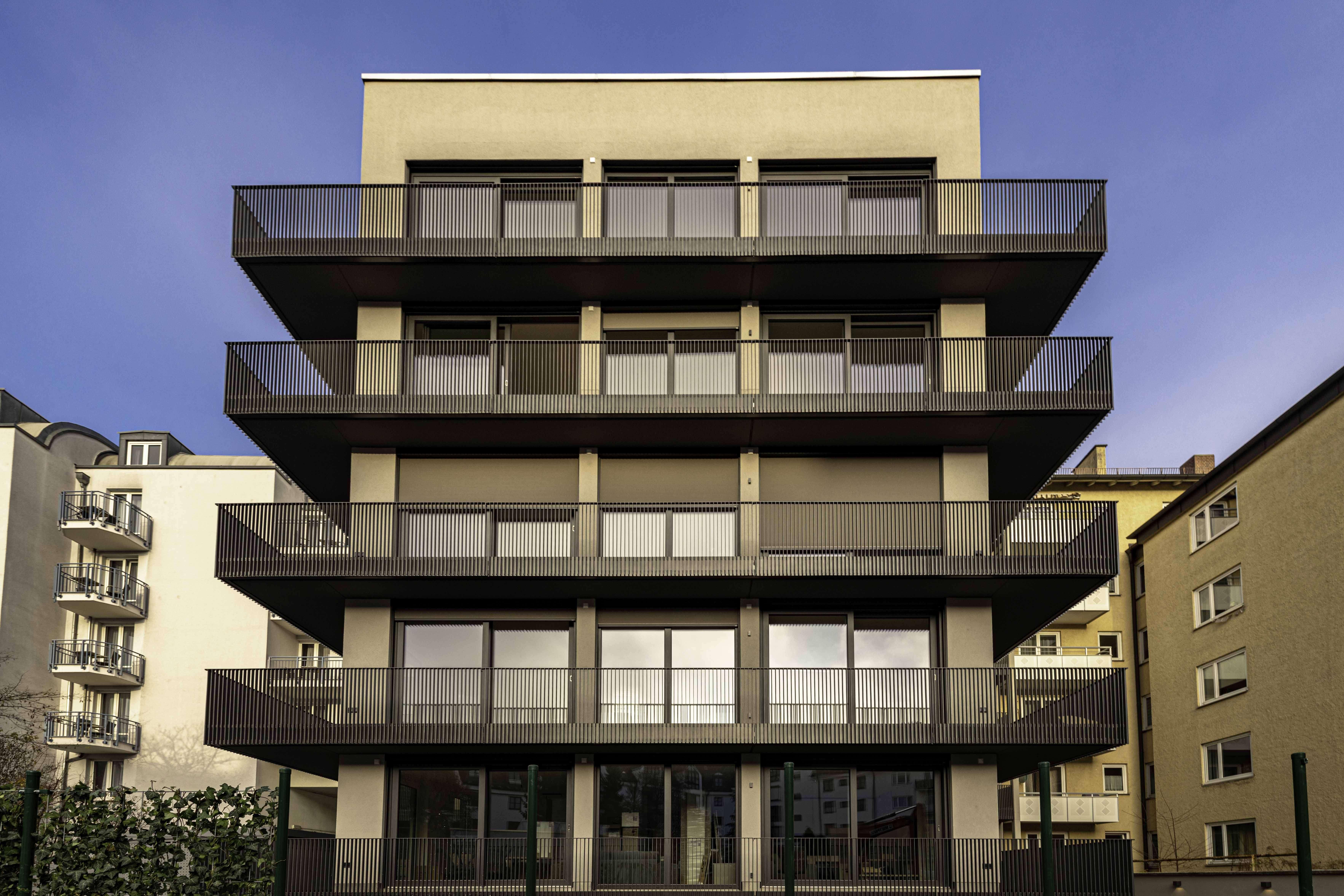 NEUBAU 3-Zimmer - teilmöbliert in München-Neuhausen in Neuhausen (München)