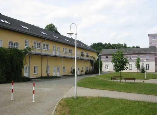 Schöne zwei Zimmer Maisonette Wohnung - verkehrsgünstig zwischen Reichenbach und Zwickau.