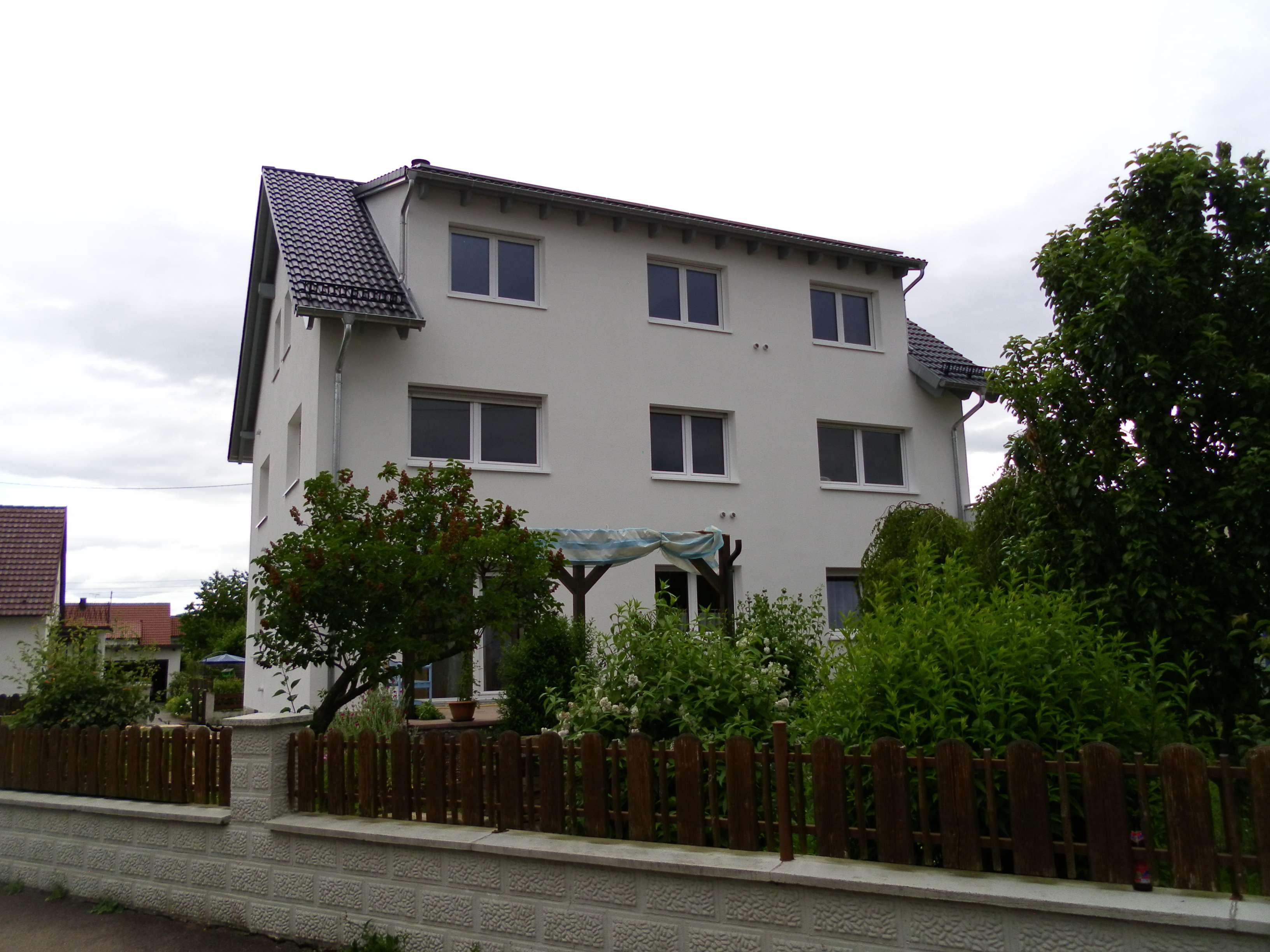 Schöne 3,5-Zimmer-Wohnung mit Balkon und Einbauküche in Pfaffenhofen in