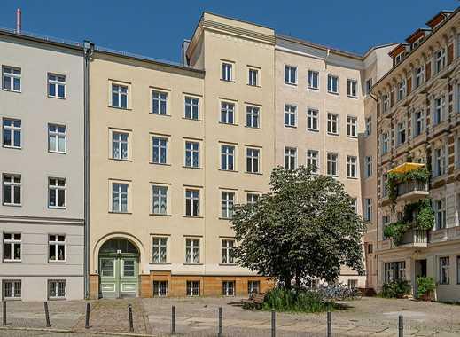 Umfassend modernisierte 2 Zimmer Wohnung mit Einbauküche