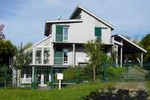 Moderne Villa mit eigenem Seezugang