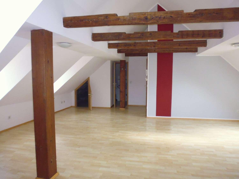 Zentrumsnahes Einzimmerappartment inklusive Tiefgaragenstellplatz in Steinweg-Pfaffenstein (Regensburg)