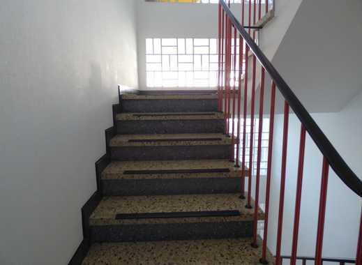 Schöne, renovierte 3 Raum Wohnung im 2.OG mit Balkon
