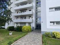 Großzügige helle 3-Zimmerwohnung mit Balkon