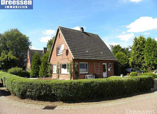 Wöhrden: Gepflegtes Einfamilienhaus auf großem Eckgrundstück in ruhiger Wohngegend