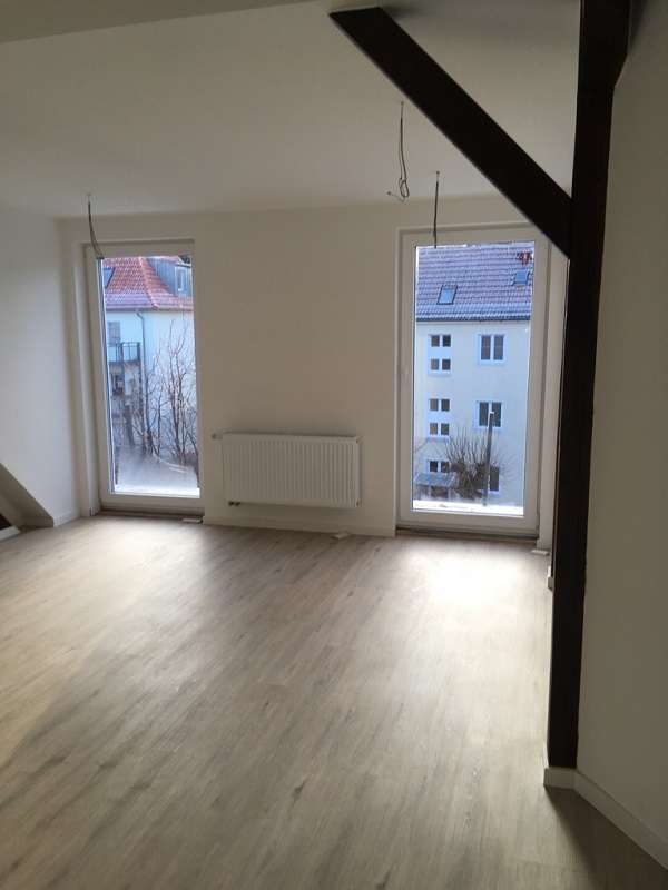 Außergewöhnliche 2-Zimmer-Dachgeschoßwohnung sucht nette Bewohner/in!