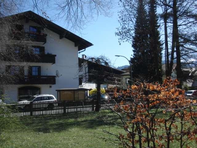 Großzügige 2-Zi.-Wohnung, ca. 70 m², renoviert, Balkon, TG-Platz in Garmisch-Partenkirchen in