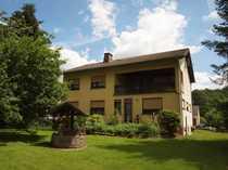 Freistehendes Wohnhaus mit einem schönen