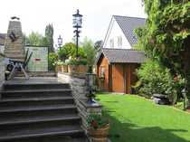 Bild Sehr gepflegtes 2 Familienhaus, davon eine Einliegerwohnung, mit wunderschönem Garten und Terrasse.