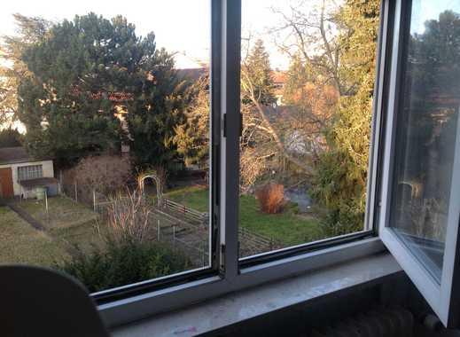 Vollständig renovierte 1-2 Zimmer-DG-Apartment mit Einbauküche in Mainz-Kostheim