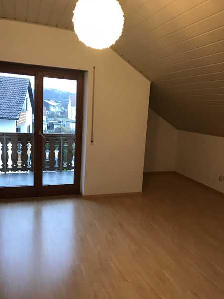 Gemütliche Dachgeschosswohnung in ruhiger Lage in Gaimersheim