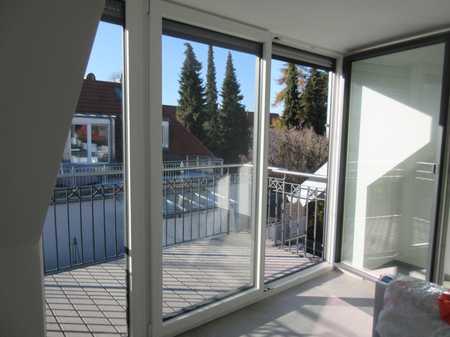 ..wie neu!! Hochwertige Dachgeschosswohnung in bester Lage sucht neuen Mieter...! in Freising