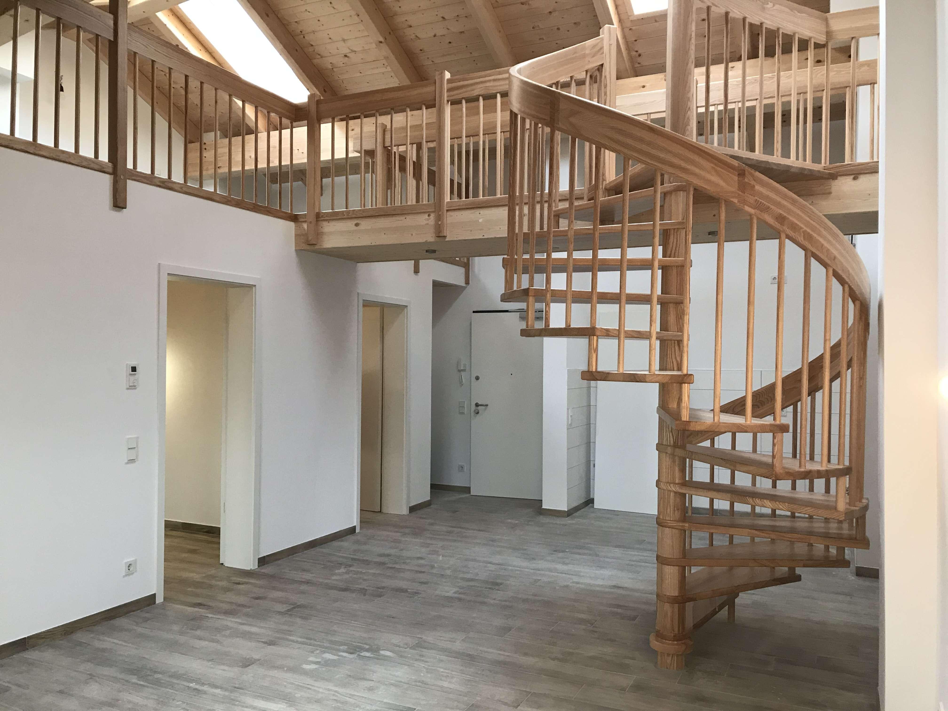 Nr. 21 Erstbezug 3 Zimmer Wohnung DG Sichtdachstuhl Neubau Galerie in Germering (Fürstenfeldbruck)