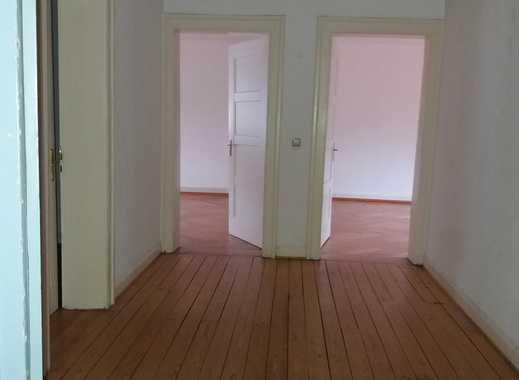 ! Schöne 5 ZKB Altbau-Wohnung in ruhiger Wohnlage !