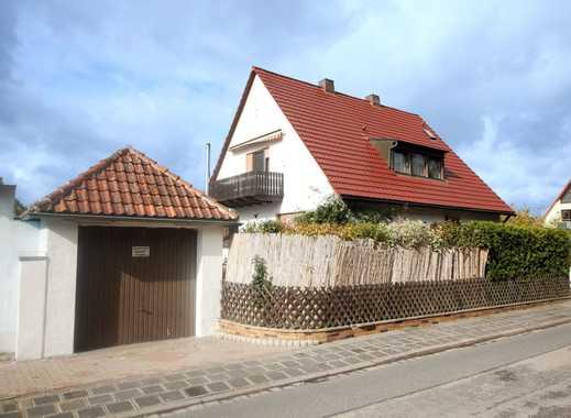 Exklusiv ausgestattetes ZFH mit Garten, Pool und Sauna in naturnaher Lage von Fürth