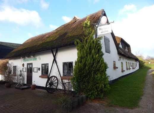 Außergewöhnliches Anwesen mit Pension in Middelhagen sucht Liebhaber…