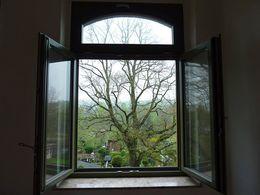 offenes Fenster im WZ...