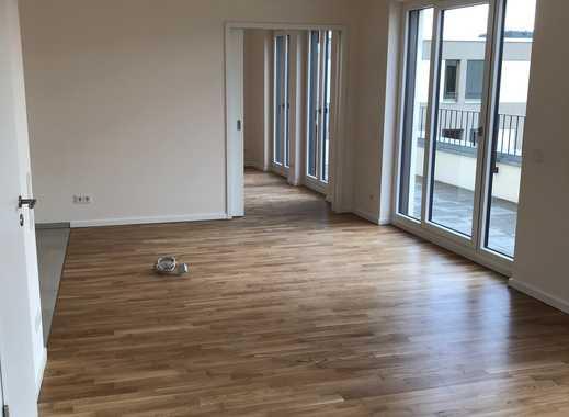 Dachgeschosswohnung : stilvolle, geräumige 2 Zimmer-DG-Wohnung mit Balkon in Prenzlauer Berg, Berlin