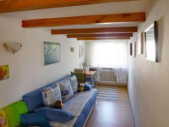 Einladendes Wohnhaus mit großer Schwimmhalle - Bild 24