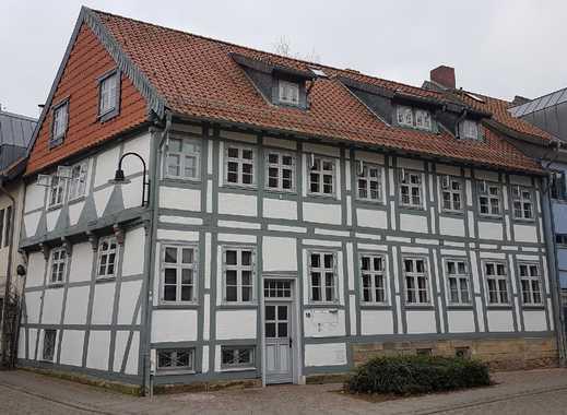 Gemütliche Dachgeschoss-Wohnung mitten in der Altstadt von Wolfenbüttel! 3 Zimmer und 2 Bäder!