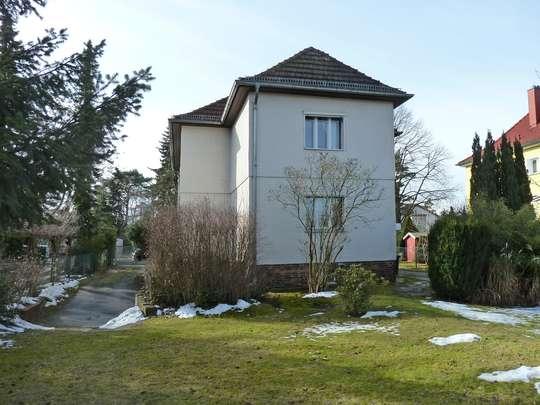 2-Familienhaus auf großem Grundstück ( !! Bauland !! ) - Bild 3