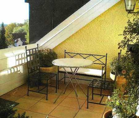 Sehr schöne 5-Zimmer-Maisonette-Wohnung mit Balkon und Einbauküche in Mering in Mering