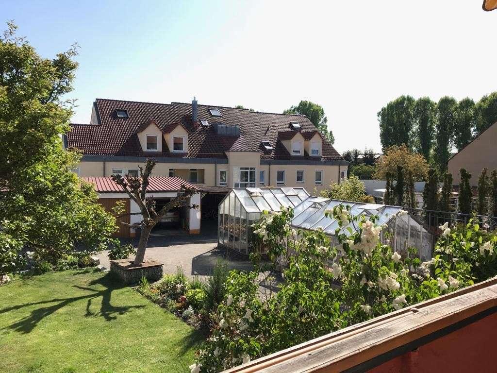 Schöne 4-Zimmer-Wohnung mit Balkon im beliebten Erlangen-Dechsendorf in