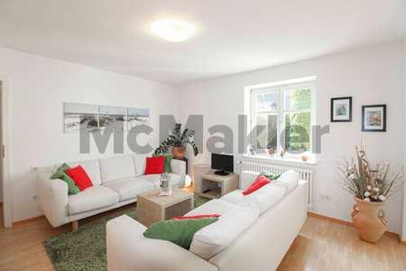 Stilvoll möblierte EG-Wohnung mit eigenem Garten, Wintergarten und Terrasse vor den Toren Münchens in Ismaning