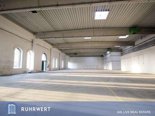 Innenansicht von Lichtdurchflutete Halle mit bester Autobahnanbindung!!