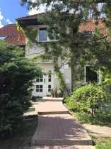 Bild Schönes Haus mit acht Zimmern und Einliegerwohnung in Berlin, Kaulsdorf (Hellersdorf)