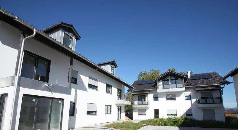 Neubau! Hübsche 2-Zi.-Terrassenwohnung mit gr. Hobbykeller und Garten in Saaldorf. in Saaldorf-Surheim